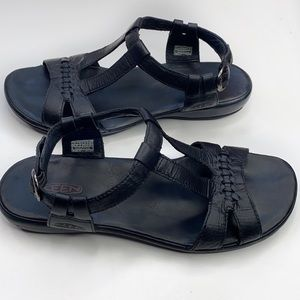 Keen leather ankle strap sandals size 8